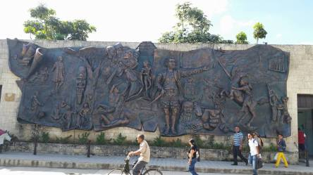 A mural depicting the history of Cuba